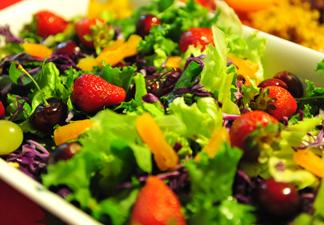 Salada Crua e Frutas na Alimentação